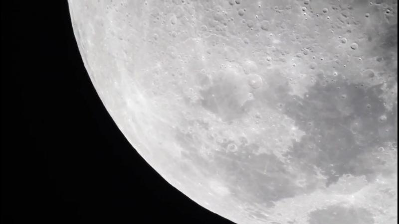 Вид Луны сквозь мощный телескоп Moon through 14 inch Meade LX200