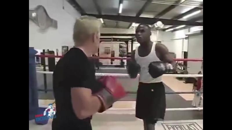 Флойд Мэйвезер учит своим фишкам в боксе