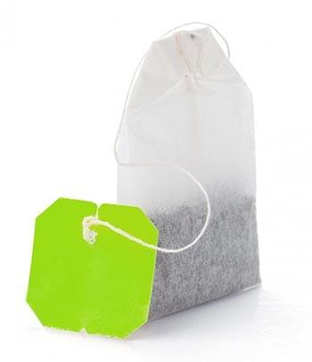 Зеленый чай можно найти в готовых к употреблению пакетиках в продуктовых магазинах.