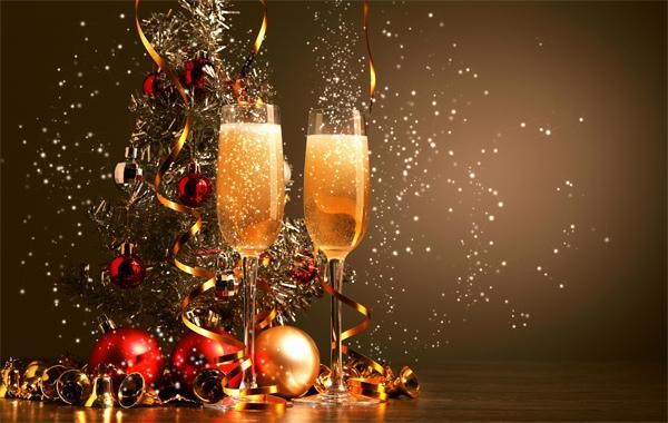 Как встречать Новый 2019 год Свиньи: что накрыть на стол, в чем встречать, в каких цветах