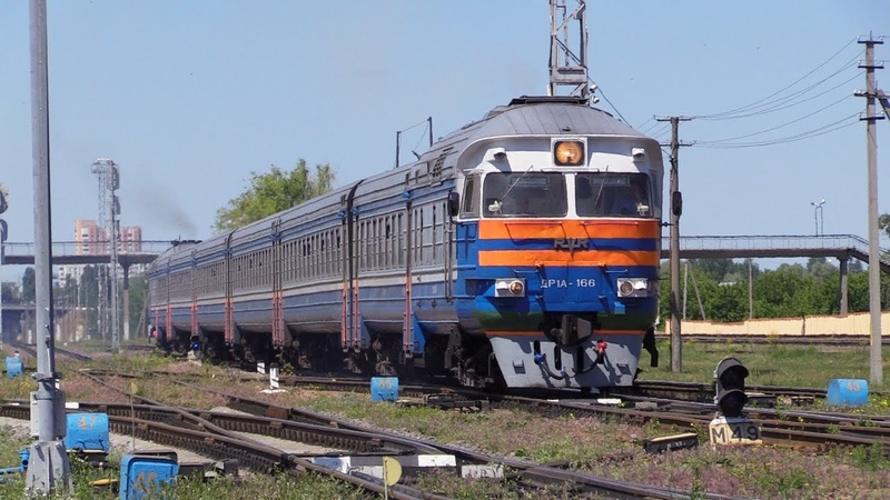 БЧ Дизель поезд ДР1А 166 на ст Новобелицкая BCh DR1A 166 DMU at Novobelitskaya station
