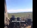 Село Уцмиюрт Бабаюртовский район. От проводов загорелись тюки на КАМАЗЕ. Водитель не растерялся и отпустил камаз в коллектор.