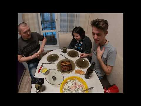 Готовим с Санек и бандиты / Куриное филе с картофелем купаты