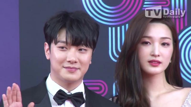 [TD영상] 최민환(Choi Min Hwan)♥율희(YULHEE) '비주얼 부부의 달콤한 입맞춤'