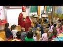 Nikolaus besucht Franz von Assisi Schule