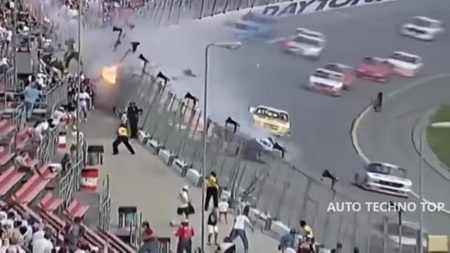 Подборка аварий на гонках, самые жестокие и зрелищные автокатастрофы, машины в дребезги 18 1