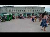 Стиляги на площади 2-х революций