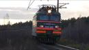 Подмигнул. ВЛ11-511 Б/512 с грузовым поездом и приветливой бригадой
