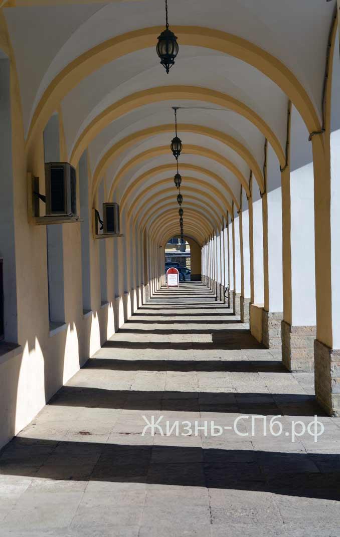 аркада факультета истории