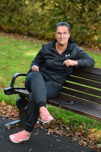 41-летняя жительница британского города Ливерпуль, Рут Морган, встречалась со своим соседом, 43-летним Мартином Брауном, но спустя какое-то время рассталась из-за его привычки решать их споры