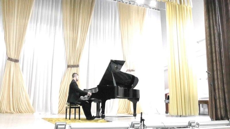 Liszt La Campanella - Stanislav Serebriannikov