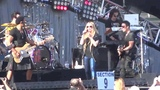 Avril Lavigne - Here's to Never Growing Up (Live @ Wango Tango 11.05.2013)
