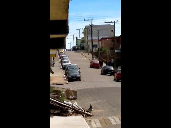 Assalto ao Banco Banrisul em Santana da Boa vista - Velho taca bala nos assaltantes