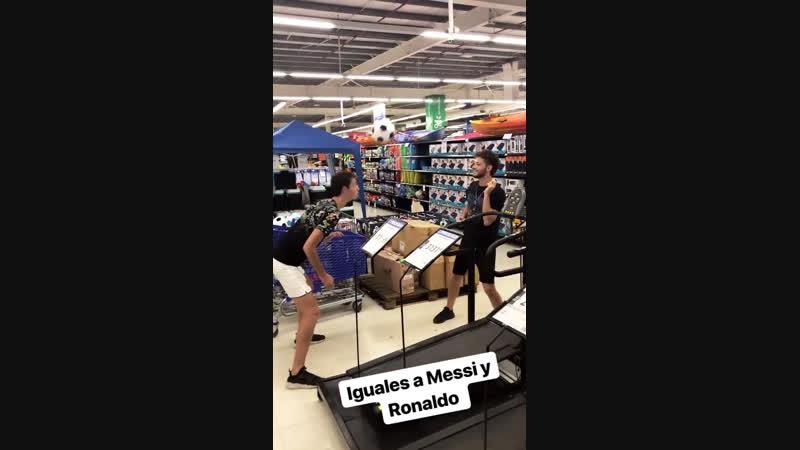 Iguales a Messi y Ronaldo 😂⚽️