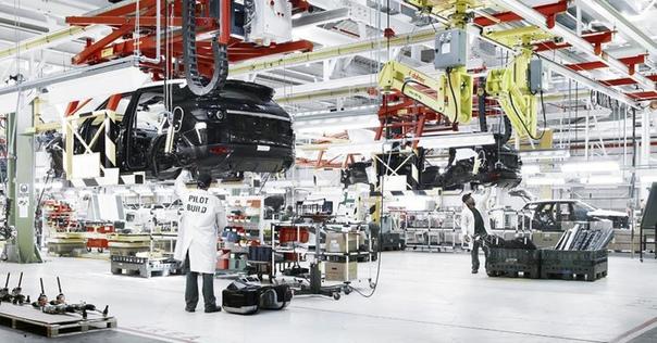 Jaguar Land Rover сократит 4500 рабочих Фото: компания Jaguar Land RoverКомпания Jaguar Land Rover объявила новую стратегию «трансформации», главным пунктом которой станет сокращение штата более