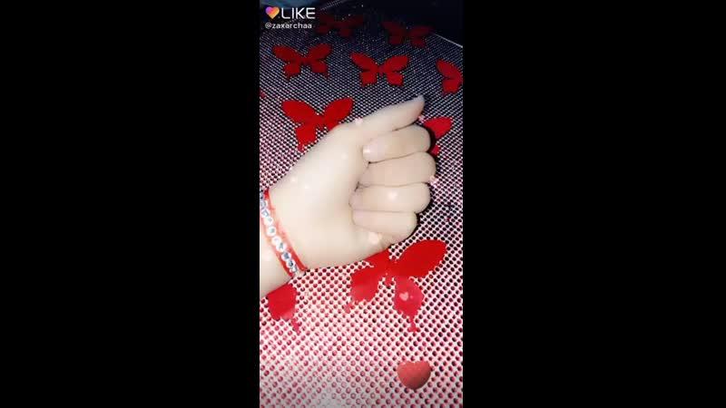 Like_6660515841050794941.mp4