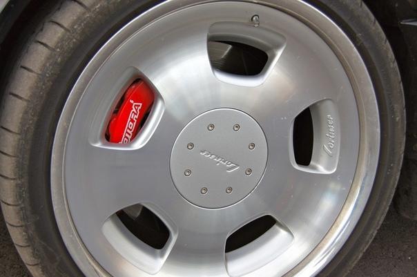 Очень редкие : Mercedes-Benz W140 S7.4 RENNtech Двигатель: 7.4 V12 Мощность: 576 л.с. Крутящий момент: Макс. скорость: 320 км/ч Разгон до сотни: 4.4 сек Привод: Задний В 1991-ом году, врата Ада