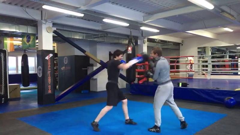 Бокс в GFG, персональная тренировка, лапы.