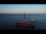 Viking Ship Draken Departs Plymouth - Корабль Викингов Draken отправляется из Плимута