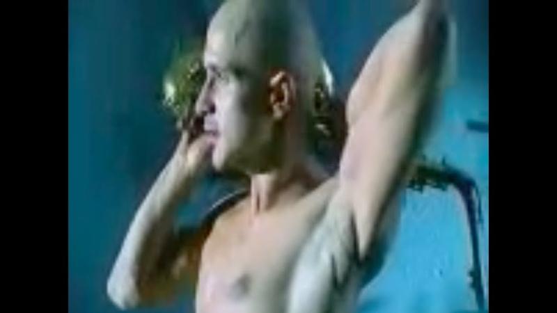 Молодой Егор Дружинин в откровенном клипе Эвелины Бледанс