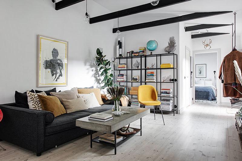 Небольшая квартира с яркими акцентами (52 квм)