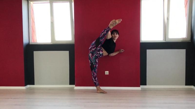 Контемп для взрослых Педогог Елена Тавасян,студия танца IMPACT! Жидилова 7.т. 89787602306