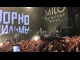 #punkmovies в НиНо. Молодость и панк рок. #пф прыжок с гитарой в толпу