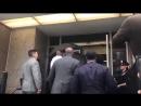 1 октября 2018 Карди Би прибывает в полицейский участок Нью-Йорка в связи с возможной дракой в стрип-клубе Квинса.
