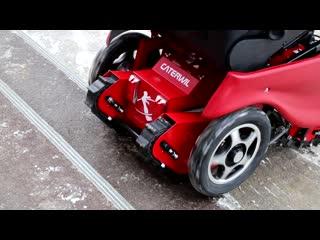 Испытания первой российской инвалидной коляски-вездехода