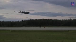 RQ 4 Global Hawk впервые прибыл на Аляску/RQ 4 Global Hawk Arrived in Alaska