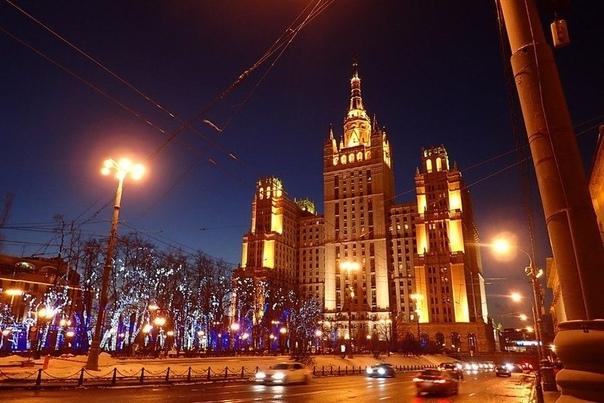 """7 московских """"пирамид"""" или оккультизм сталинских высоток"""