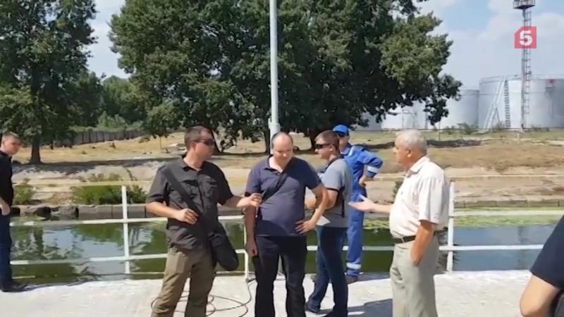 Появилось видео попытки проникновения инспекции на судно Механик Погодин