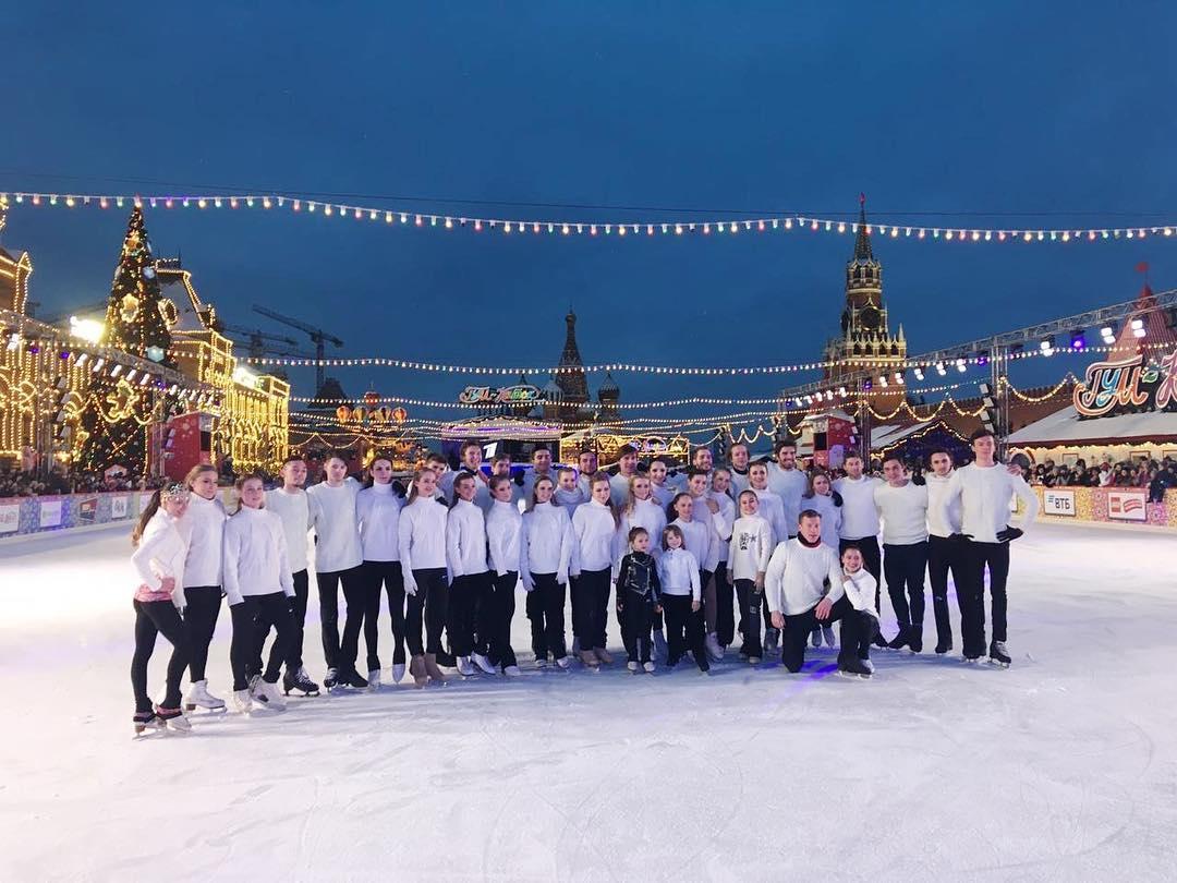 Ледовые шоу-5 - Страница 49 IyRE9SMeZ-w