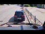 Мэр Красноярска катается на дорожном пылесосе