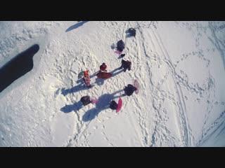 Танец моржей «Возьму я зонтик» (под музыку из мультфильма «Фиксики»)