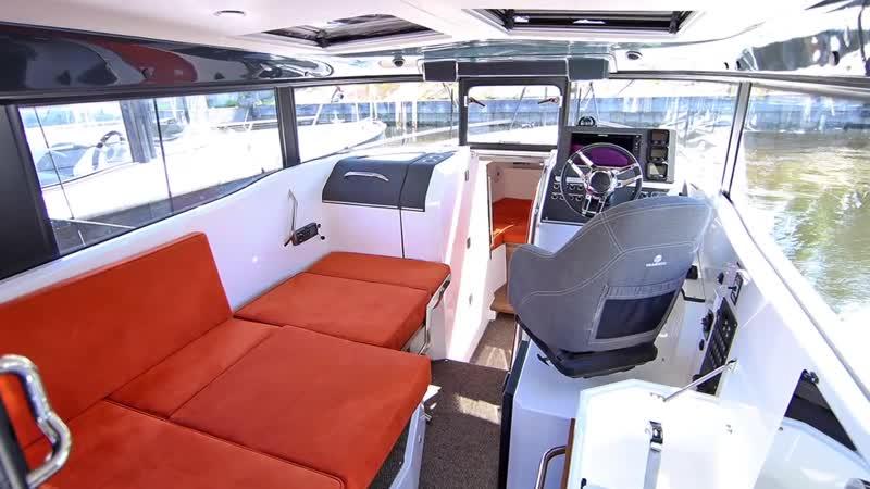 Интерьер, экстерьер катера XO 270 RS Front Cabin OB. Обзор катера