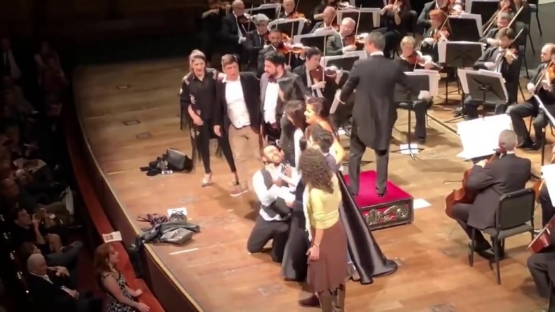 Anna Netrebko and Yusif Eyvazov sing O sole mio August 12 2018 Teatro Colon