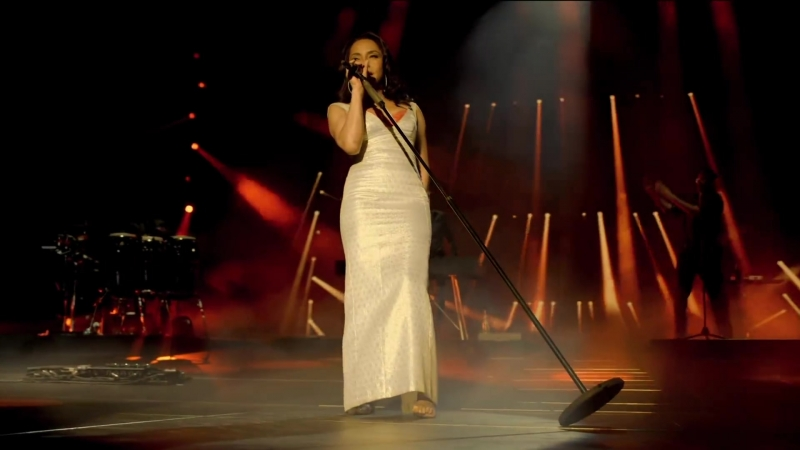 Sade - The Sweetest Taboo (Live 2011)