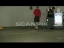 Vídeo de Justin Bieber deixando uma academia em Los Angeles, CA.