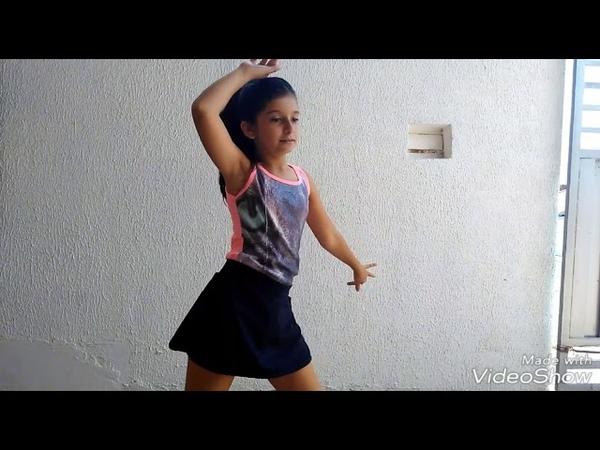 Dançando mais uma vez para os fãs
