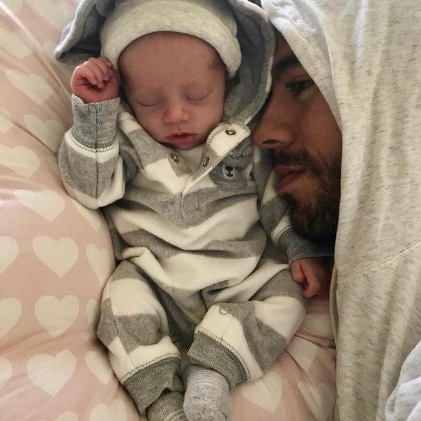 Смелый папа: Энрике Иглесиас показал новое фото с сыном