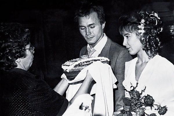 Андрей Панин Андрей Панин российский актер, ставший известным уже в зрелом возрасте, но сумевший добиться огромной зрительской любви. Его роли в картинах «Бригада», «Сволочи», «Каменская»,