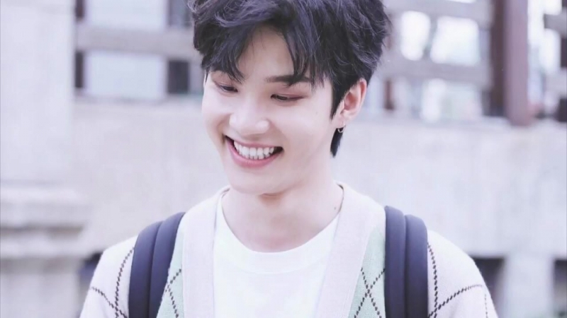 Literally just zhou yanchen smiling for 2ish minutes