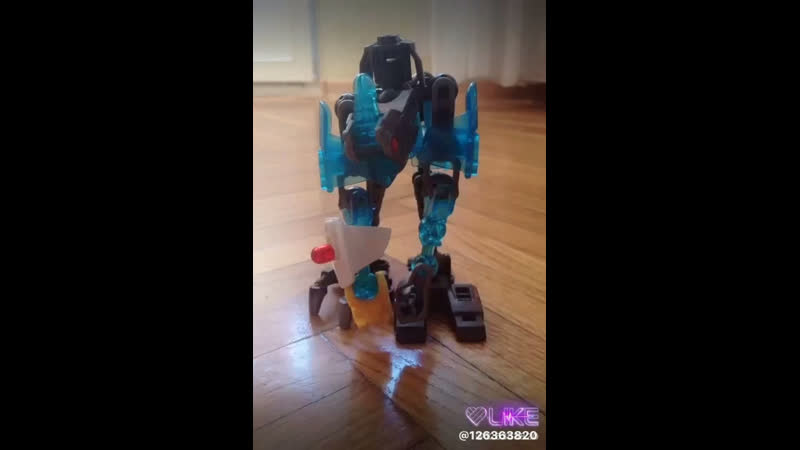 Первая часть робот танцует