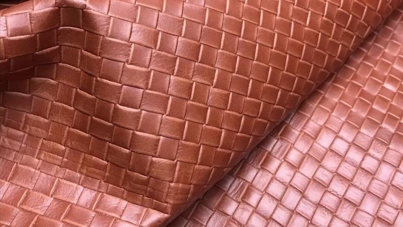 Кожа КРС, 0,8-1,0 мм, TUSCANIA, цвет COGNAC с тиснением, MASTROTTO, Италия