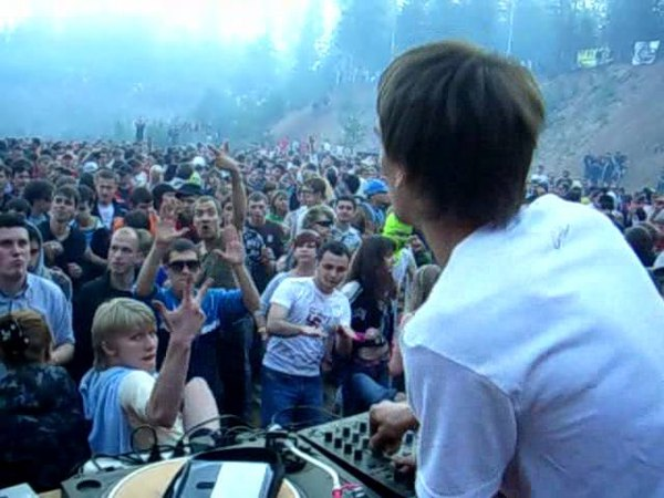 Zoo - Open Air 2006 (Карьер на Медном Озере) russia rave in forest techno live 2007