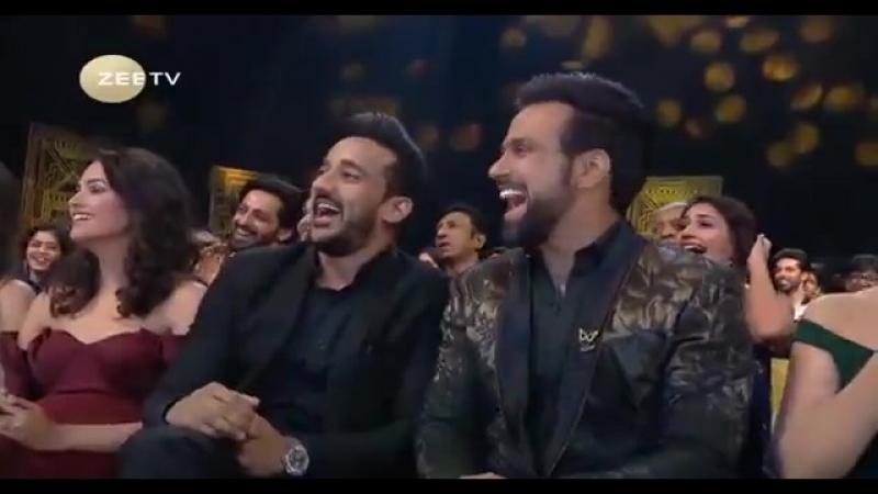 Церемония Награждения Zee Gold Awards (2017) SATRip (360p)_02