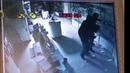 Неизвестные в масках проникли в салон сотовой связи в Лиде Запись с камеры видеонаблюдения