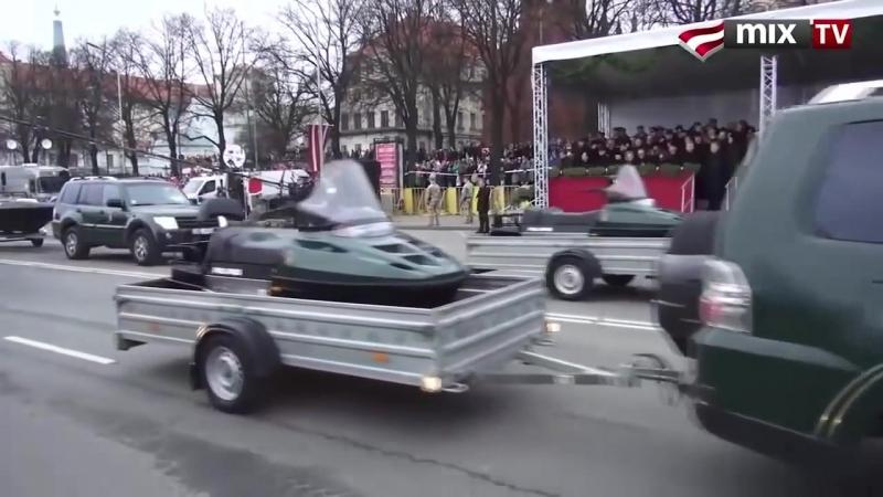 Военный парад в Латвии комментатор жжот