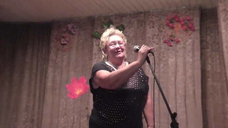 00054 День пожилого человека. 13окт. 201г. Антонина Шило читает свое стихотворение